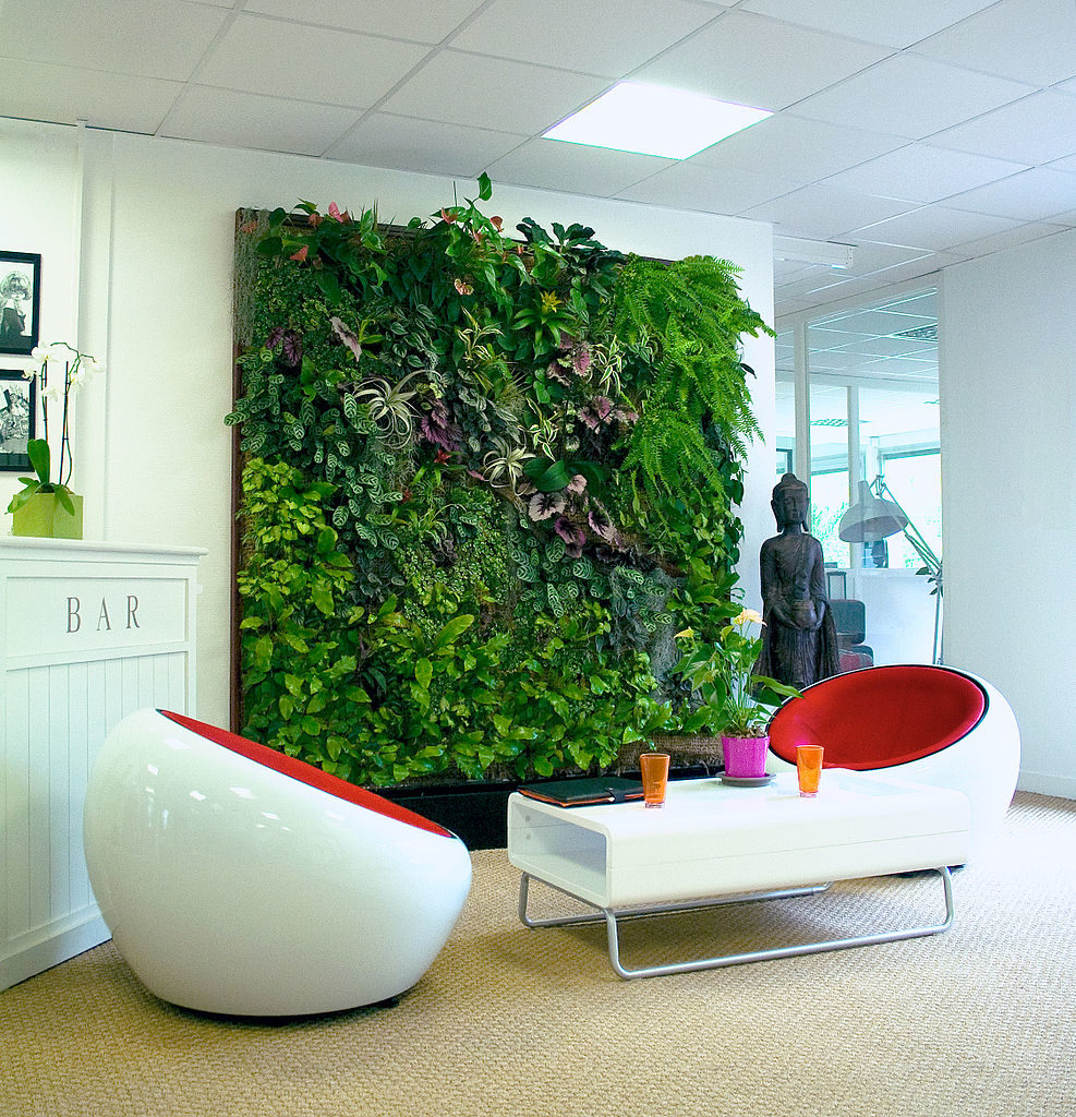 living-wall-planter